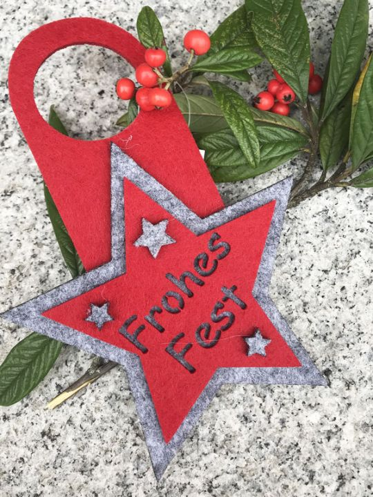 "Flaschenanhänger ""Frohes Fest"" aus Filz"